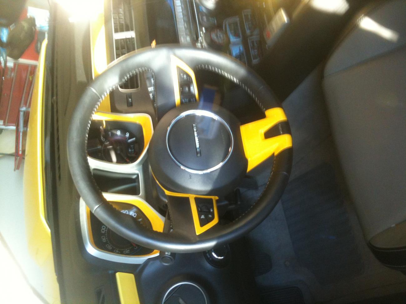 Steering Wheel Trim And Gauge Cluster Camaro5 Chevy