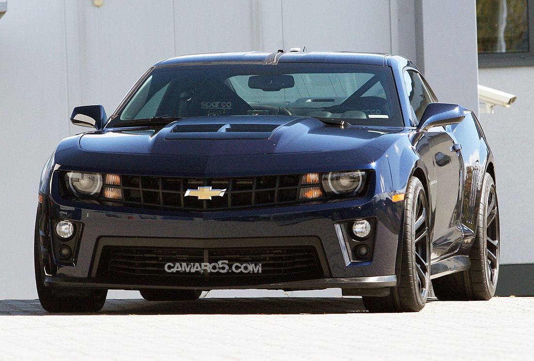 First Pics of Camaro ZL1 in Cyber Gray and Imperial Blue - Camaro5 ...