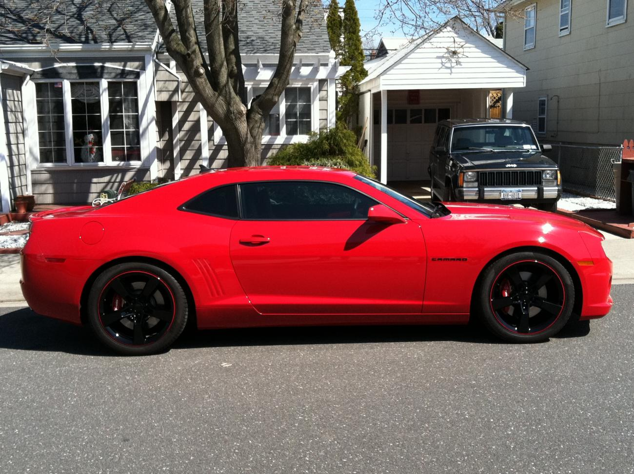 Camaro black and red chevy camaro : PS request. black rims with red pinstripe - Camaro5 Chevy Camaro ...