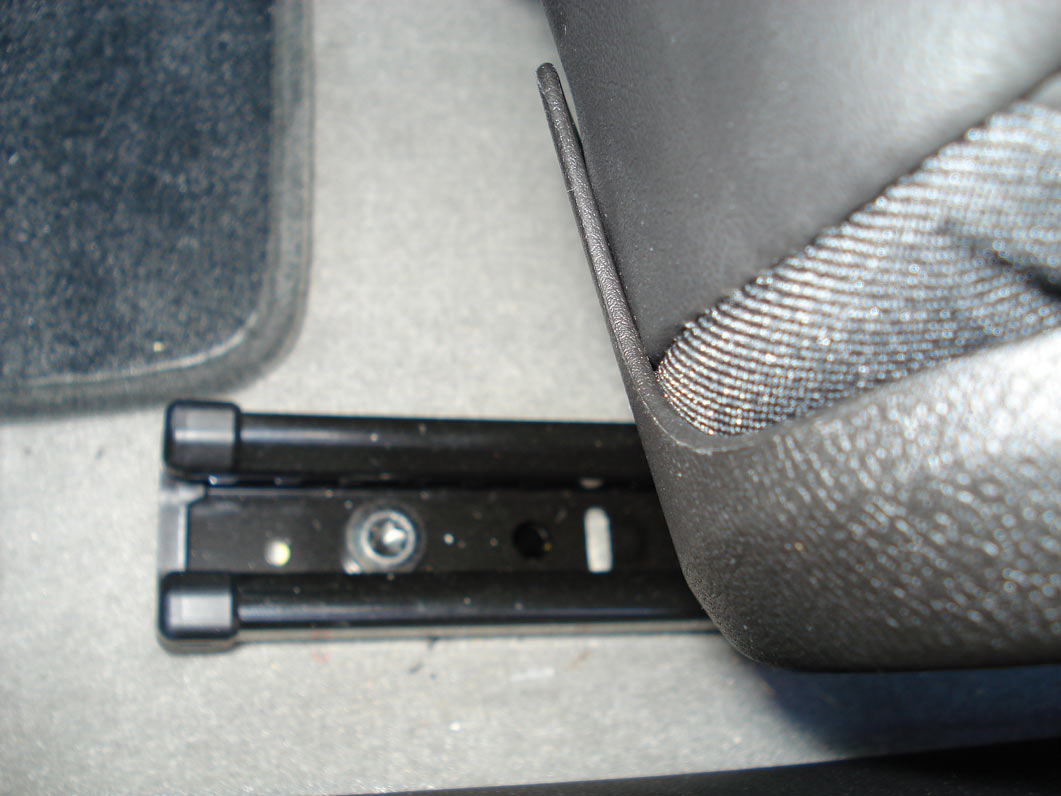 2010 2ss passenger power seat conversion moderncamaro com 5th this image has been resized click this bar to view the full image