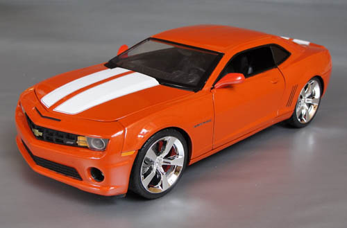 1 18th Scale Diecast 5th Gen Camaros With Rally Stripes Or