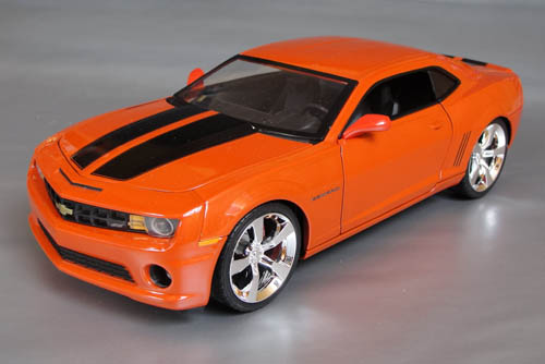 1 18th Scale Diecast 5th Gen Camaros With Rally Stripes Or Hockey Stripes For Sale Camaro5