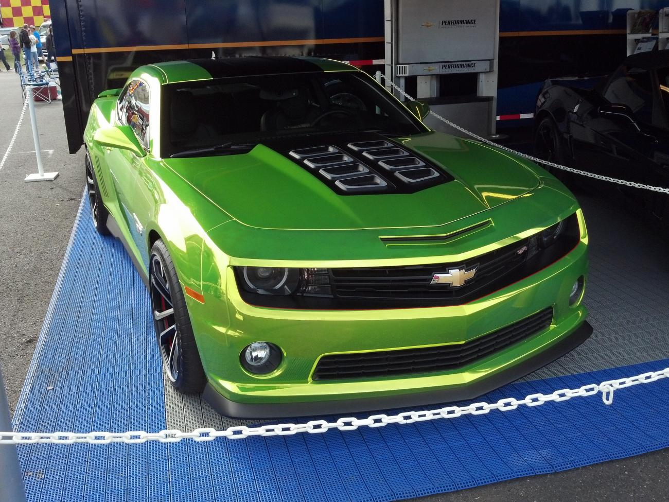 New Hot Wheels Camaro Color Iridescent Green Camaro5 Chevy Hotwheels 12 Zl1 Attached Images