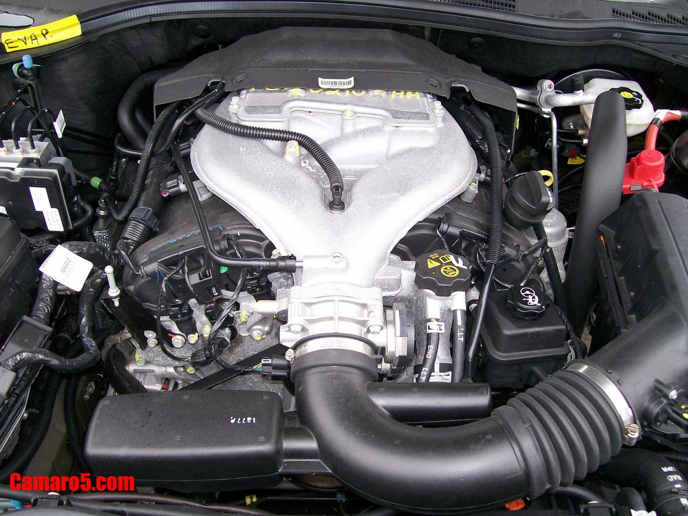 2010 camaro engine bay showing di 3 6l v6 llt engine     camaro zl1