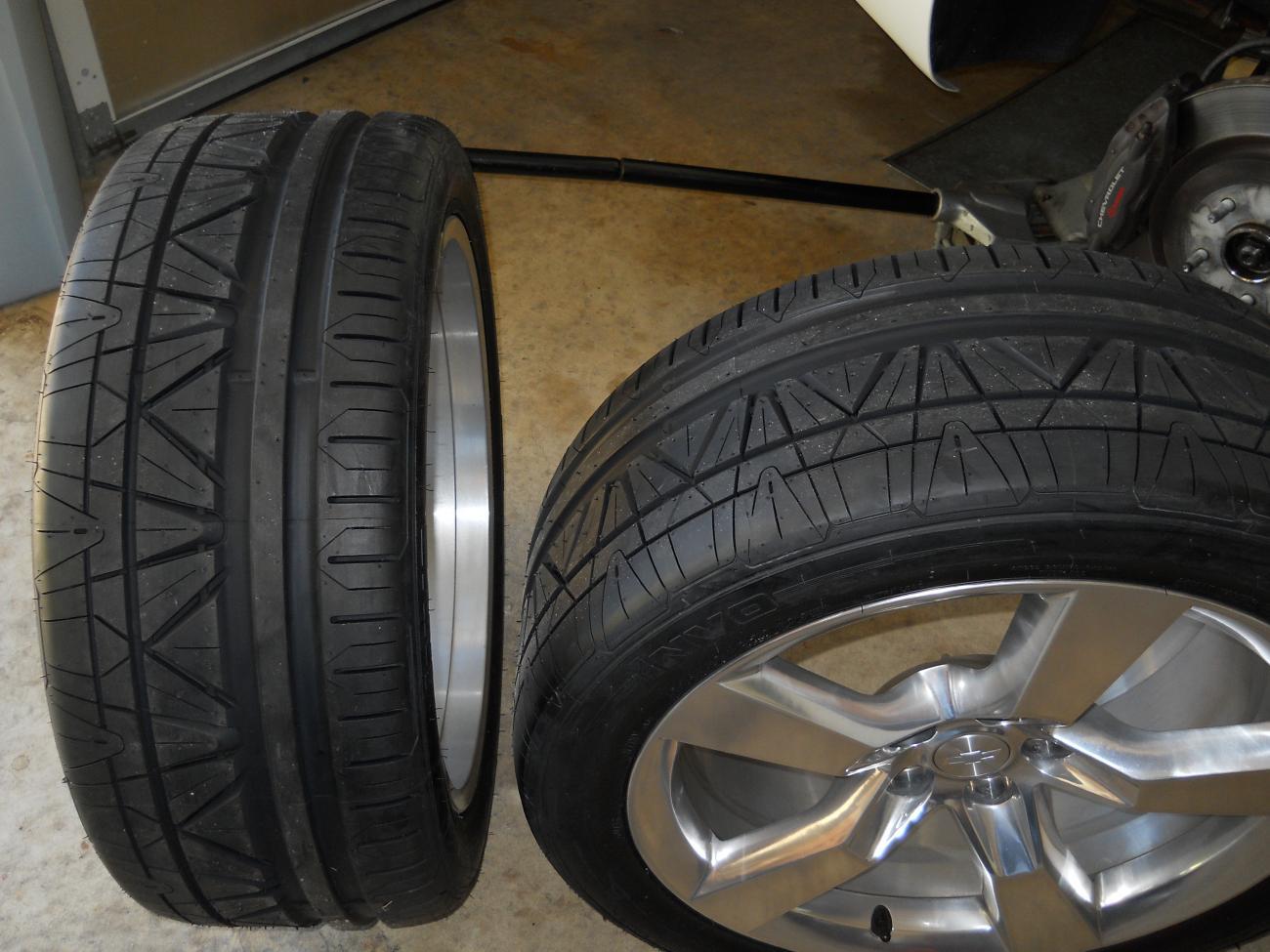 Nitto Motivo Vs Perelli P Zero S Camaro5 Chevy Camaro Forum