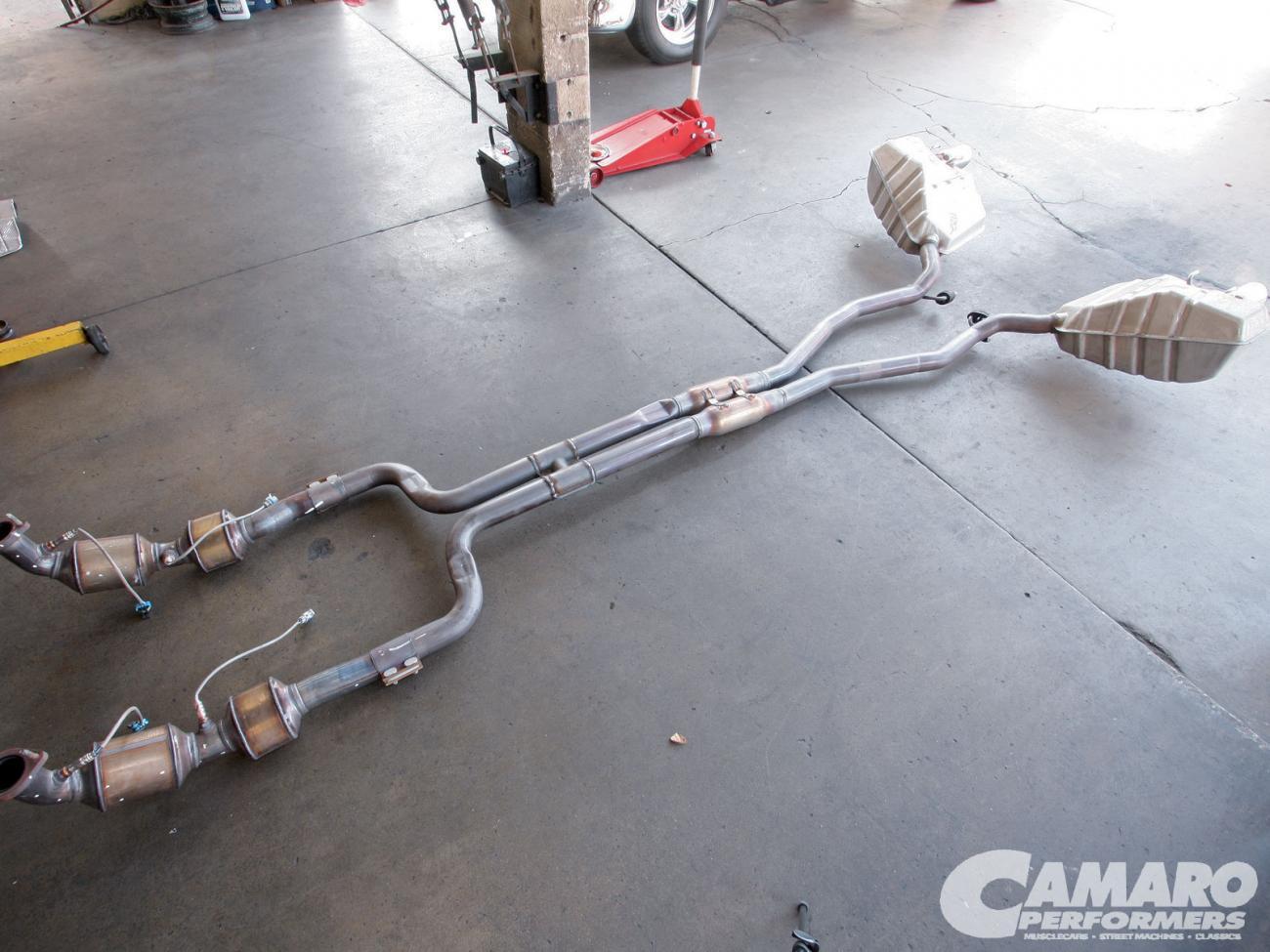 Stock Exhaust   Camaro Zl1