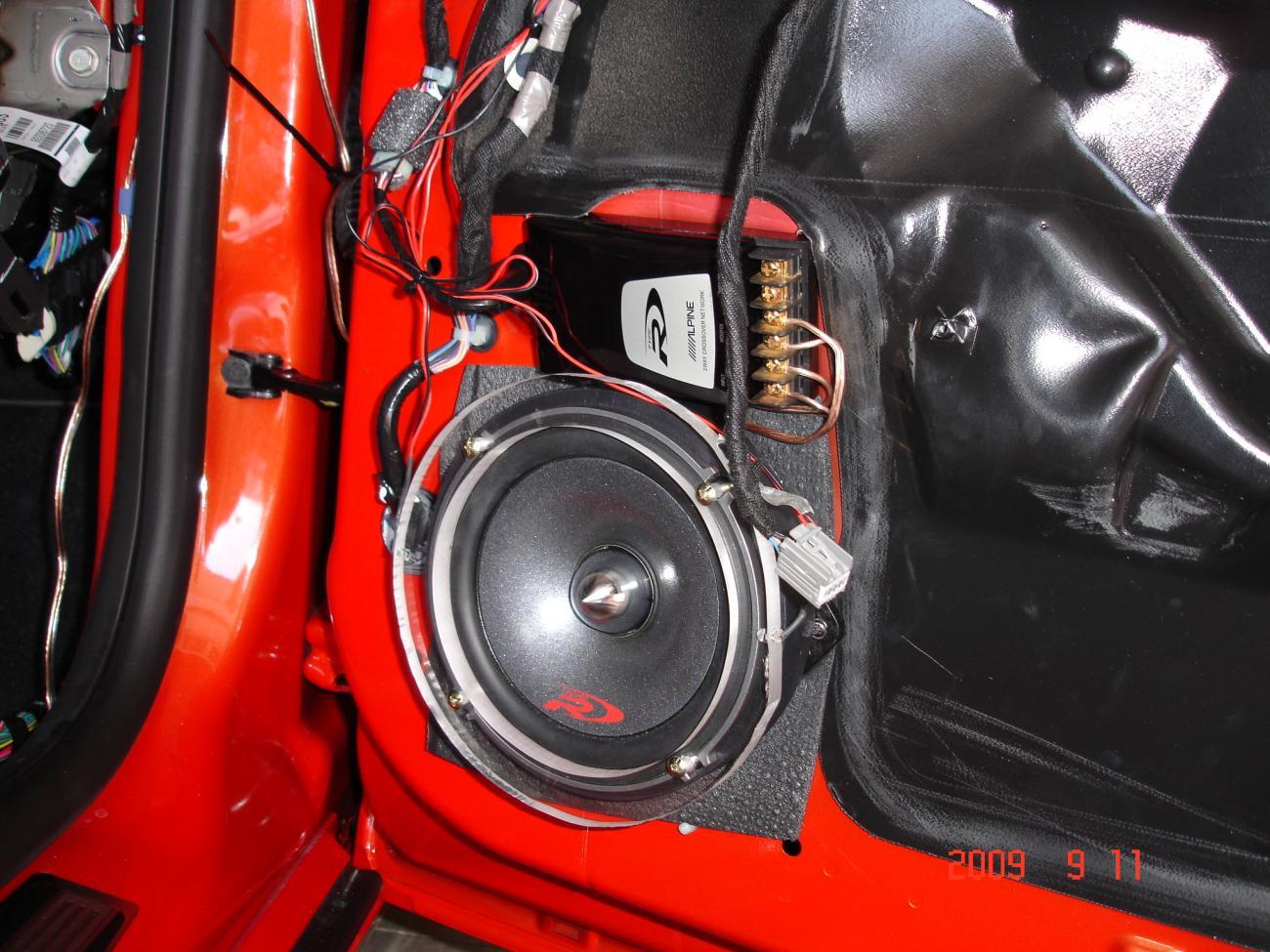 Attachment on Amp Location 2011 Camaro Convertible
