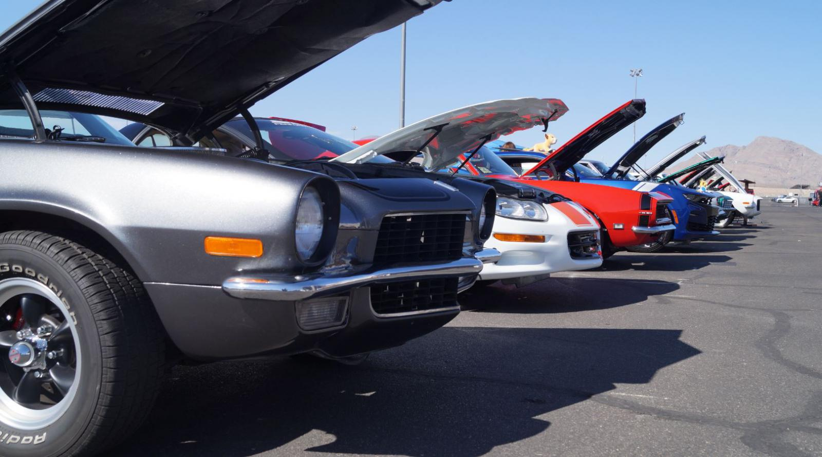 Name:  car show 4.jpg Views: 193 Size:  148.3 KB