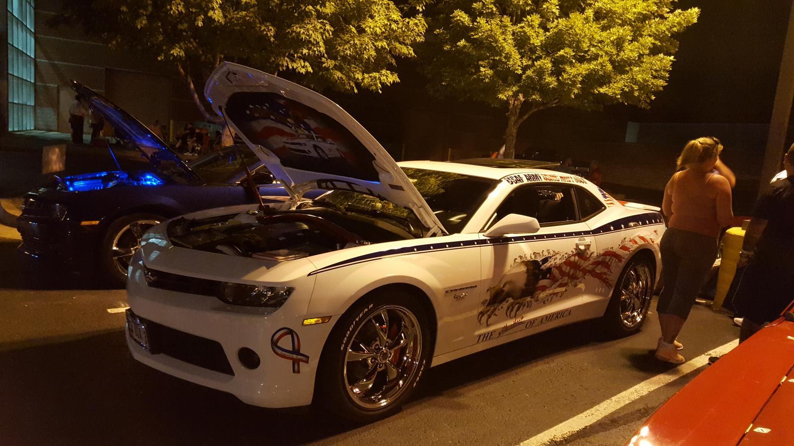 Name:  Fest parking lot party 007.jpg Views: 920 Size:  195.3 KB