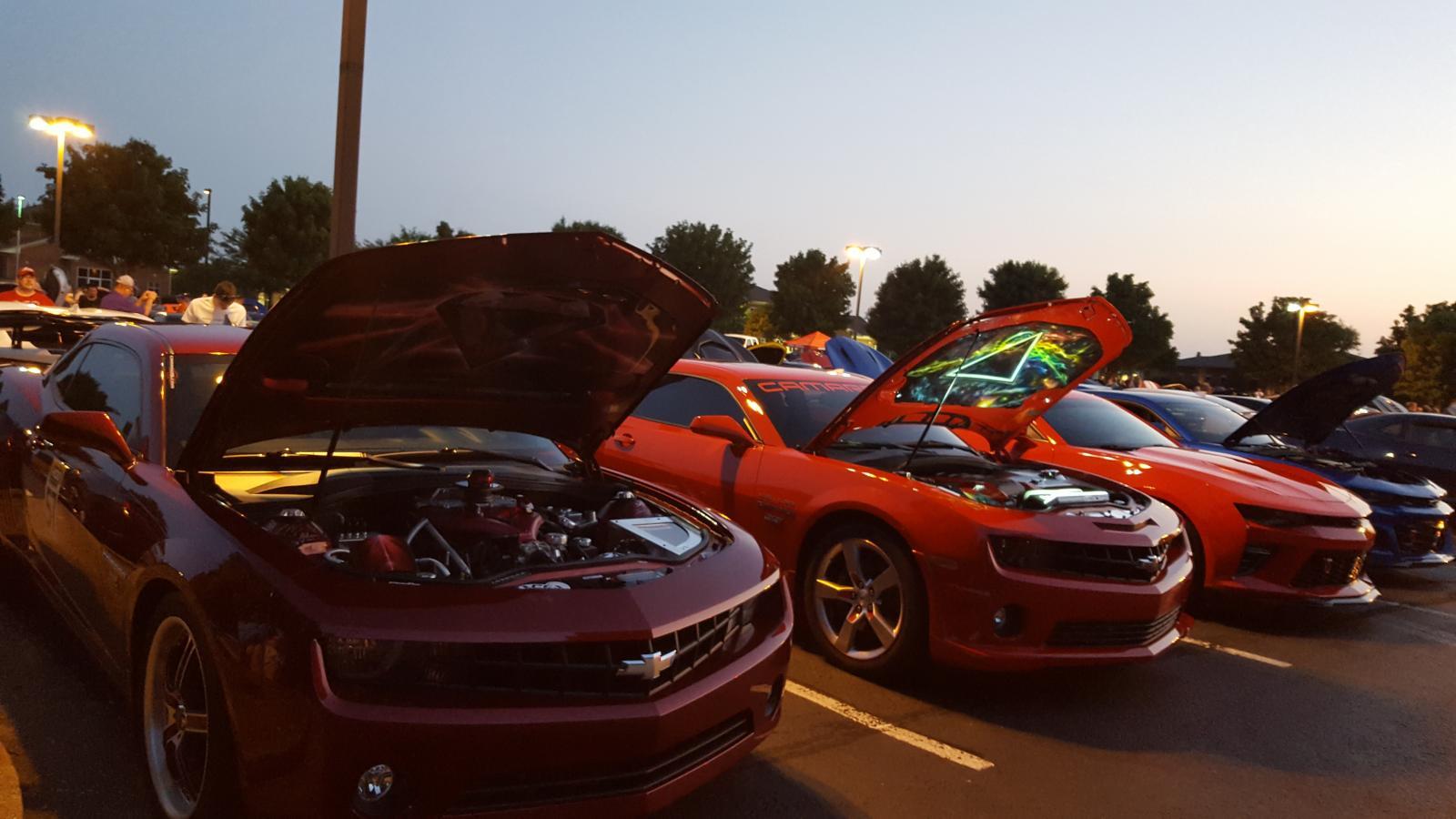 Name:  Fest parking lot party 004.jpg Views: 969 Size:  127.4 KB