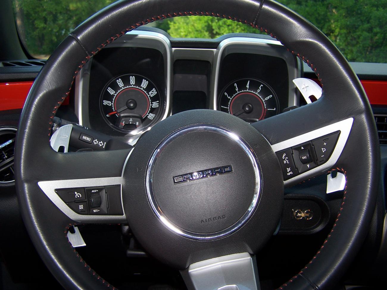 bowtie on the steering wheel help camaro5 chevy camaro. Black Bedroom Furniture Sets. Home Design Ideas