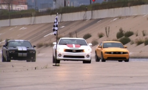 Top Gear Camaro Mustang Challenger La River Drag Race